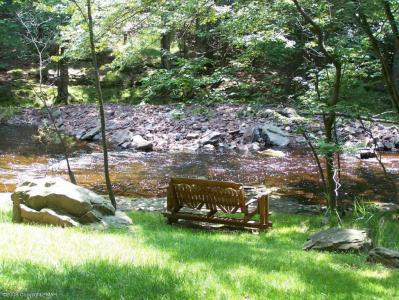 Poconos Vacation Homes Vacation Properties For Sale in Arrowhead Lakes, Poconos, PA - Arrowhead ...