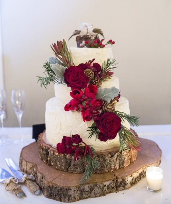 17 Wedding Cake Decorating Ideas Perfect for Rustic Weddings   Ideal Me Red Barn Christmas Wedding Cake   wedding cake decorating ideas
