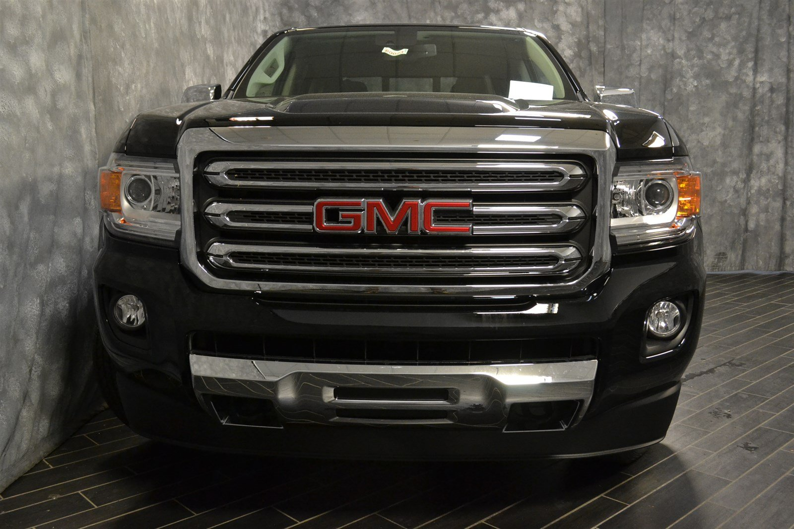 New 2018 GMC Canyon SLT Crew Cab Pickup in North Riverside  80023     New 2018 GMC Canyon SLT