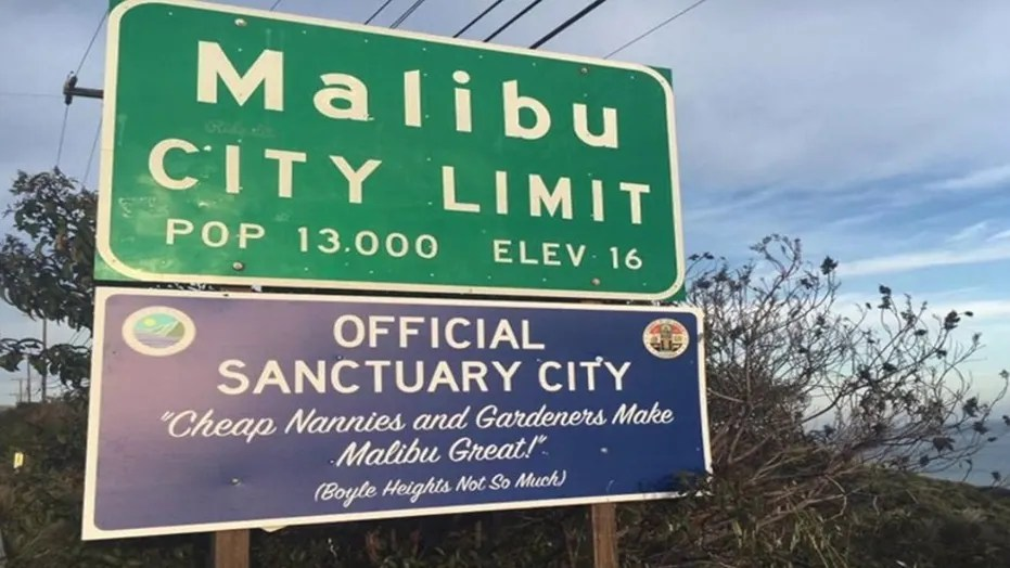 Prank California highway signs  welcome  felons  illegal immigrants     A sign placed in Malibu  Calif   in April 2017 is similar to one