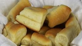 Easy Sweet Dinner Rolls (Honey Butter) Recipe Video by DivasCanCook   ifood.tv