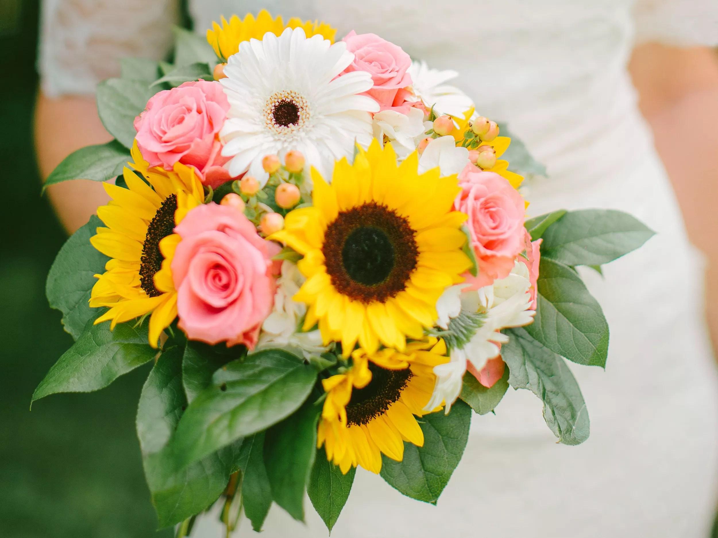 top ten inexpensive flowers flowers for weddings