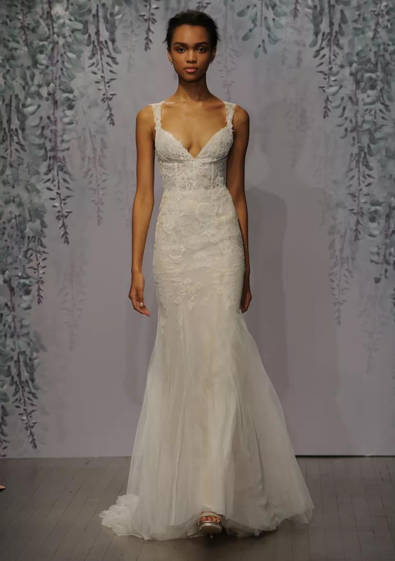 monique lhuillier wedding dresses bridal fashion week fall garden wedding dress Monique Lhuillier wedding dress Fall silk white sorbet Chantilly and Re embroidered lace