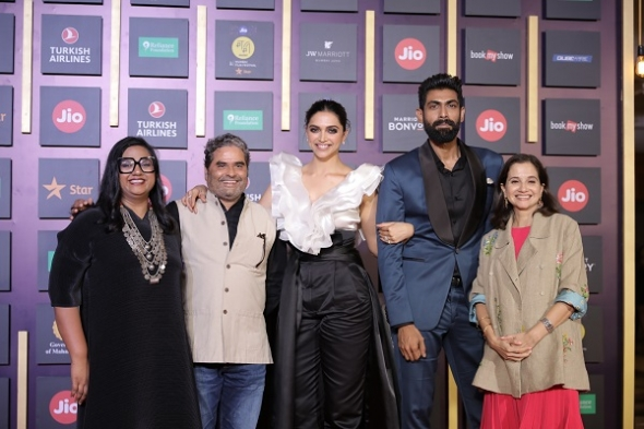 Mumbai film festival ends with clear direction on developing genre of 'fiction documentary', Deepika Padukone hailing passion of festivalgoers and awards for 'Eeb Allay Ooo!' and 'Bombay Rose' (and gallery)