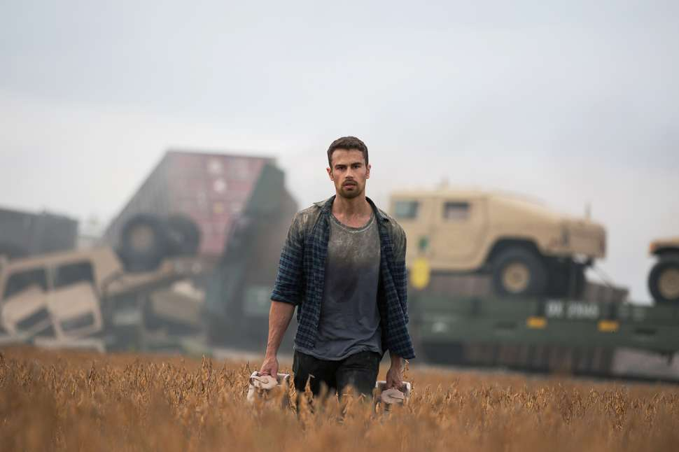 How It Ends Netflix Review  Theo James Apocalyptic Thriller is a Dud     how it ends movie