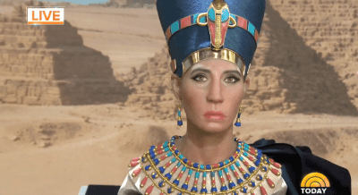 Who's This? Whitewashed Bust of Queen Nefertiti Has People Scratching Their Heads