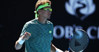 Denis Istomin upsets No. 2 Novak Djokovic in second round of Australian Open | FOX Sports