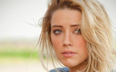 20 Gorgeous HD Amber Heard Wallpapers