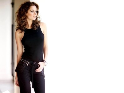9 Gorgeous HD Linda Cardellini Wallpapers