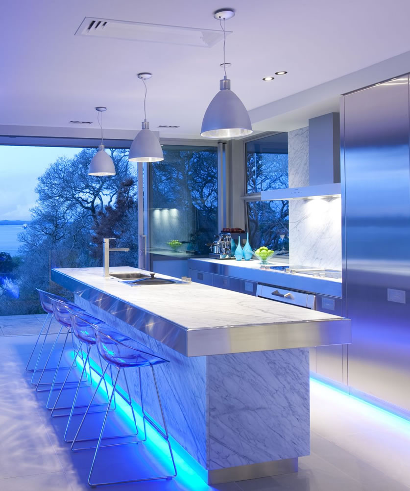 the magic of color changing kitchen lights under cabinet kitchen lighting Image via KitchenMaking com