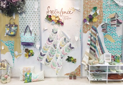 design your own spoonflower wallpaper + a giveaway! : going home to roost