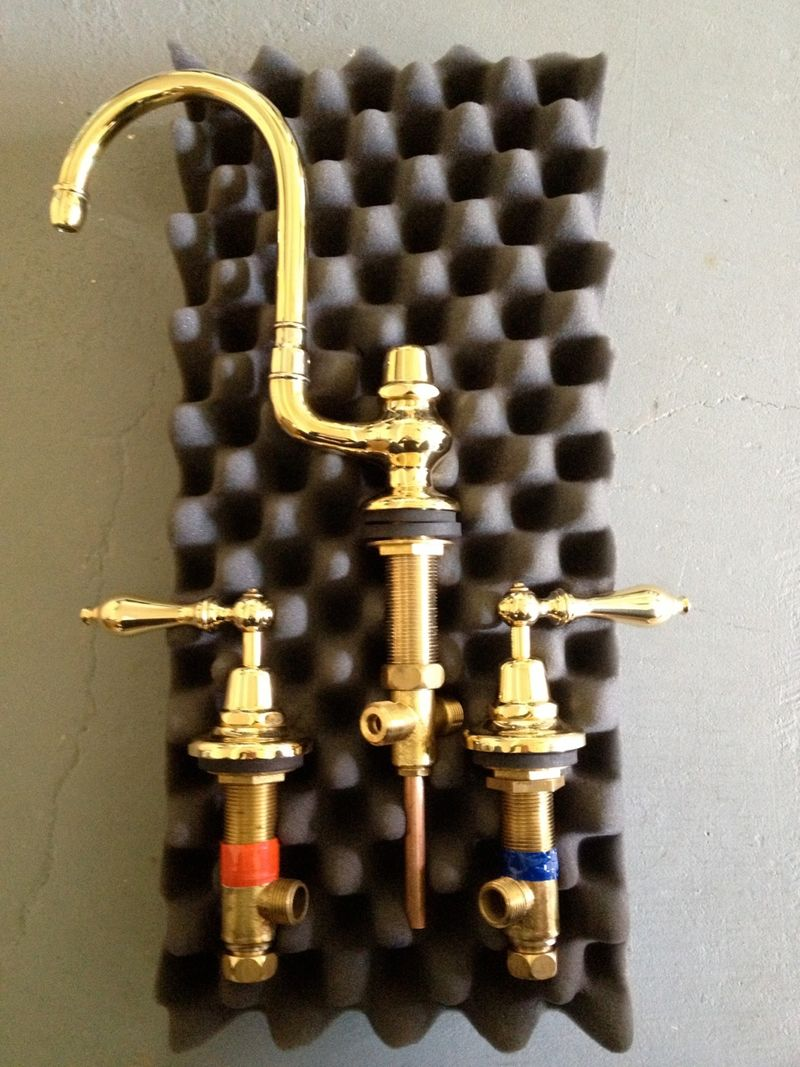 5 unlacquered brass kitchen faucet IMG 3