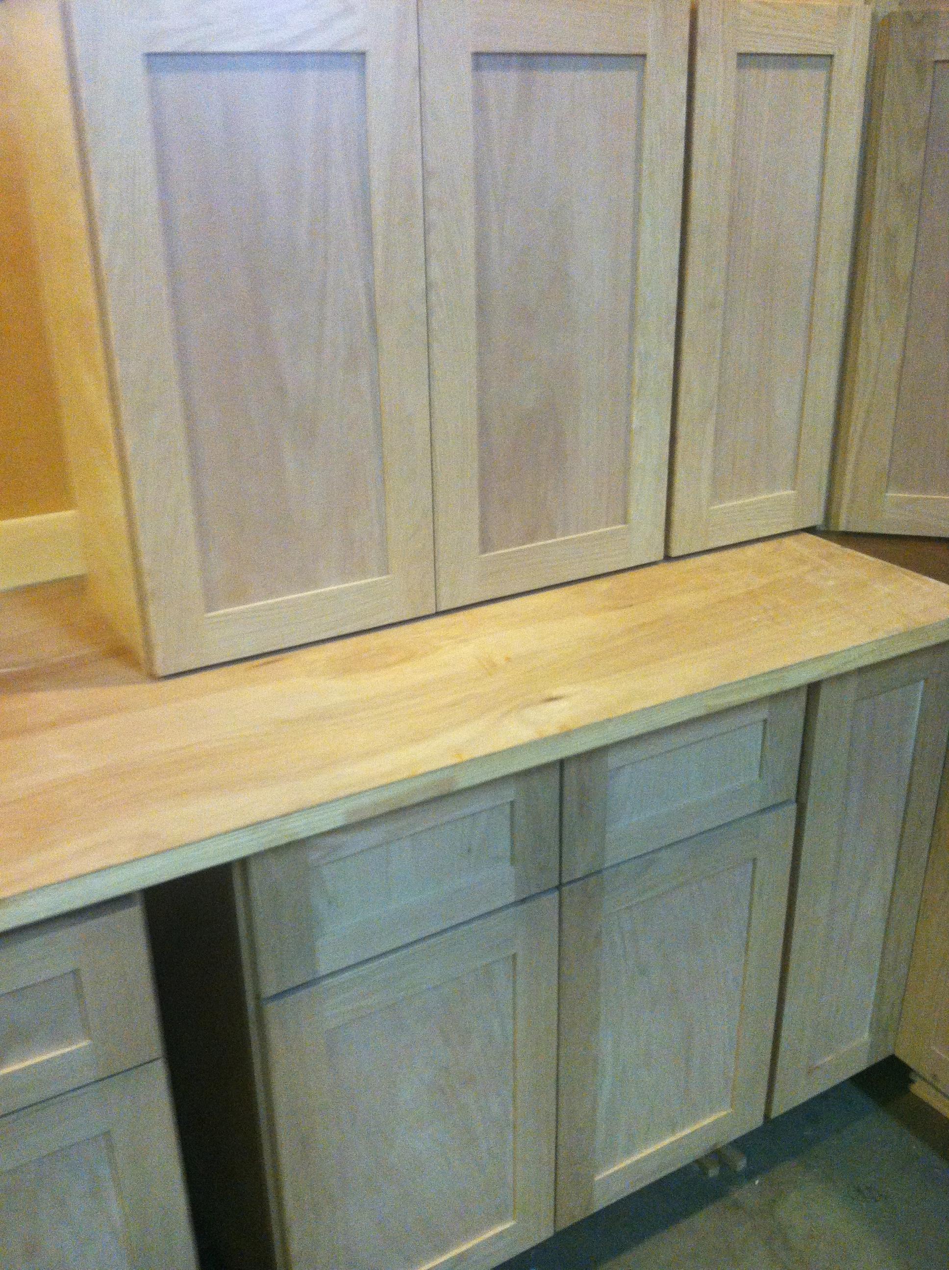beautiful shaker style oak kitchen cabinets now available at buds shaker style kitchen cabinets IMG