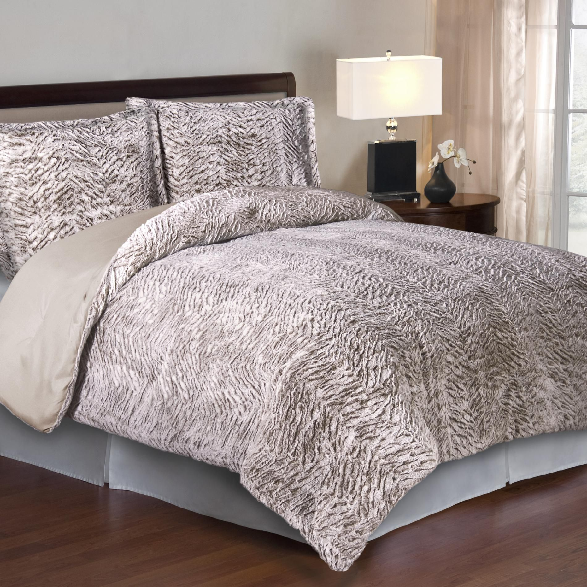 Cozy Nights 3pc Comforter Set - Neutral Carved Mink Faux Fur