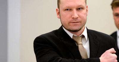 Norway mass killer Anders Behring Breivik defends massacre: