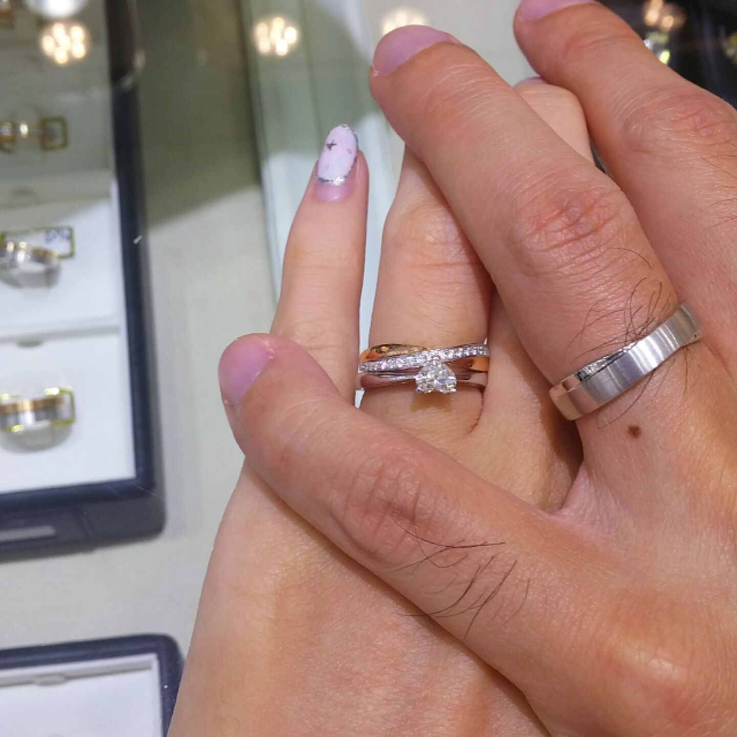 EBDlHjappv cross wedding bands Settled our wedding bands from jannpaul dayrebrides Really love the criss cross design infinity I got the rose gold and white gold one with loose