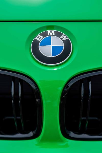BMW Individual: BMW M4 Competition in Signal Green