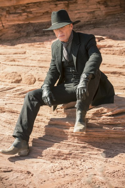 Westworld Theory Explains Man in Black Identity with ...
