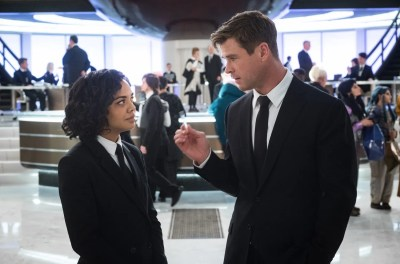 Chris Hemsworth and Tessa Thompson on Reuniting for Men in Black: International | Collider
