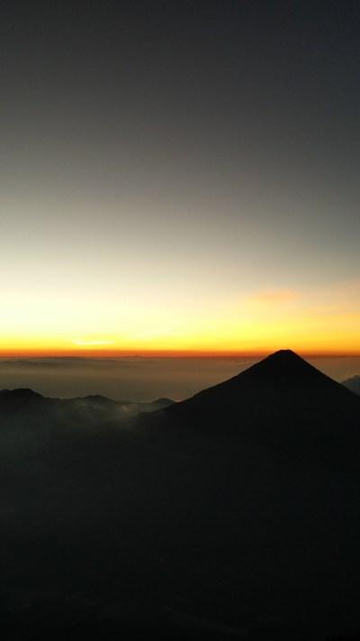 Silent Volcano iPhone Wallpaper - iDrop News