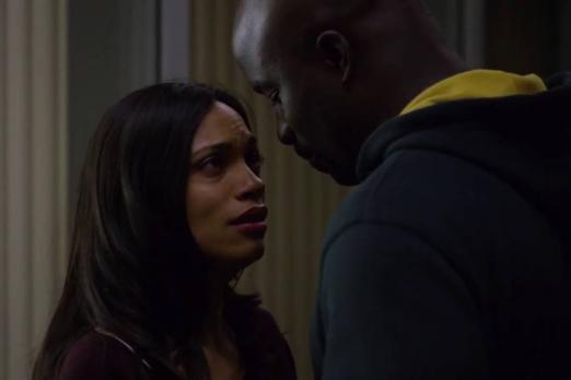 The Defenders  Luke Cage And Claire Temple Share Intense Kiss In Set     luke cage claire temple