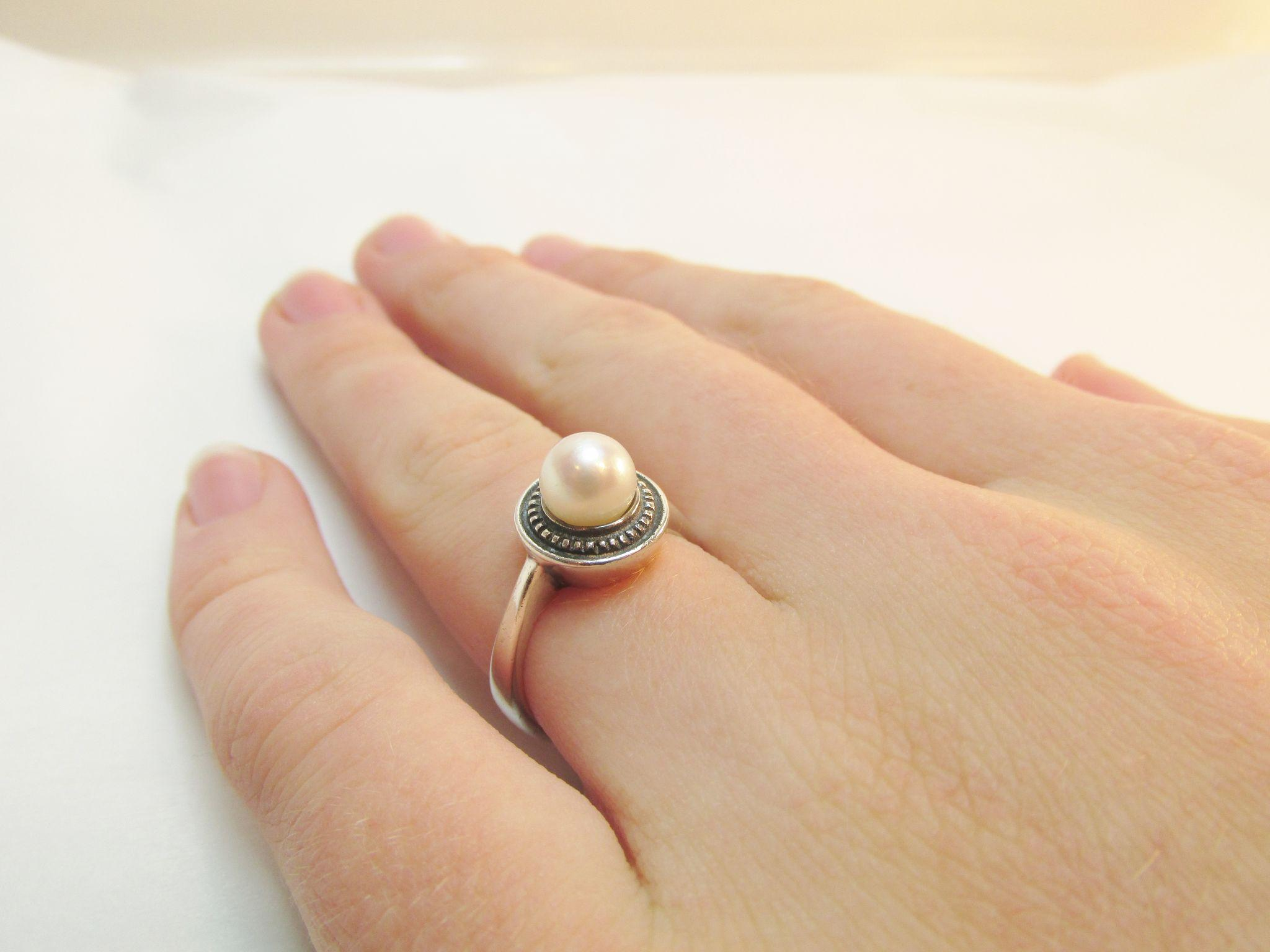 James Avery Pearl Sterling Ring Estate james avery wedding bands Roll over Large image to magnify click Large image to zoom