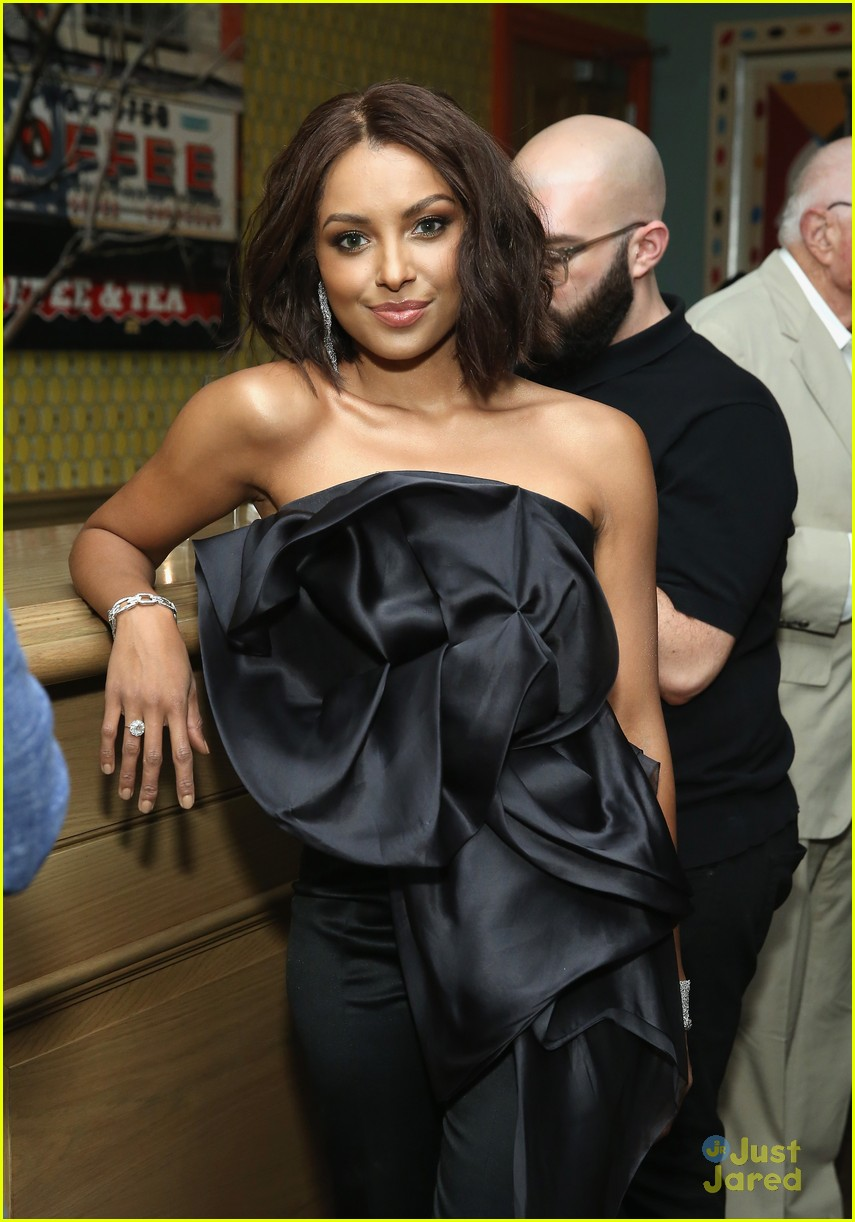 Kat Graham Slays at Premiere of  How It Ends    Photo 1171674     kat graham how ends premiere nyc 04
