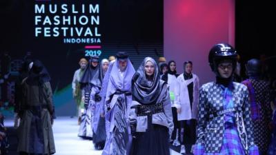 Potret Parade Busana Muslim di MUFFEST 2019 - Fashion ...
