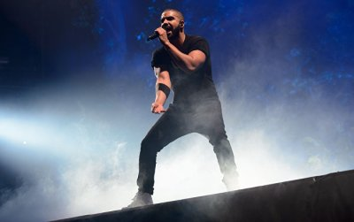 Rapper Drake Has a Go at His Fan for 'Sexually Harassing Women During Concert' - Sputnik ...