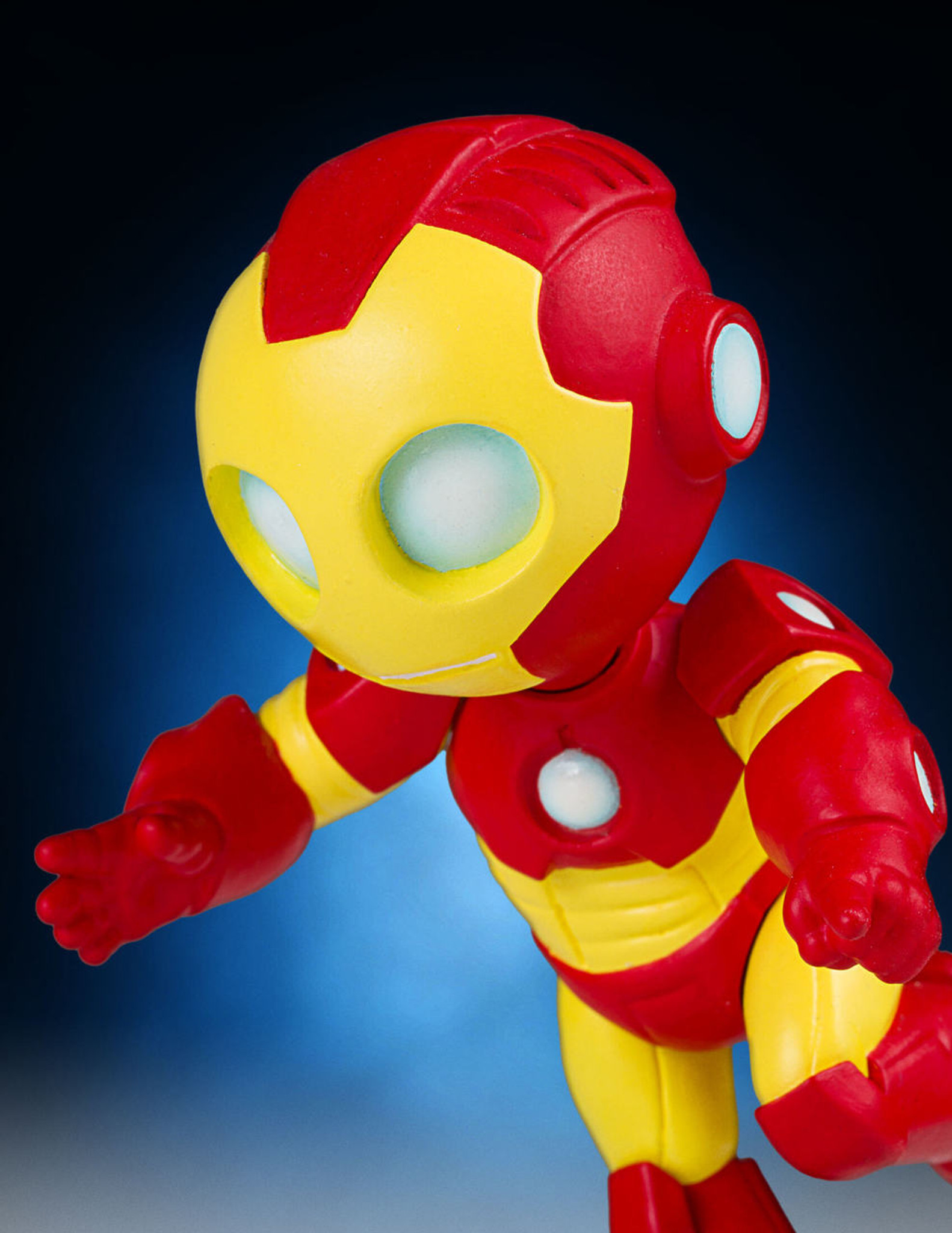 Animated Iron Man Statue Collectible   Gentle Giant Iron Man Animated Statue