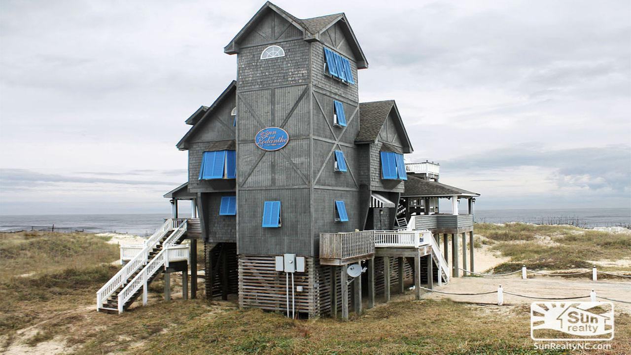 Iconic  Nights in Rodanthe  house up for sale   abc11 com Iconic  Nights in Rodanthe  house up for sale