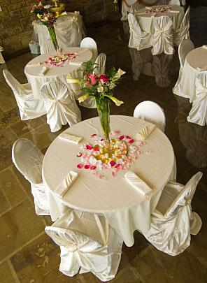 Inexpensive Ideas for Wedding Decorations | LoveToKnow