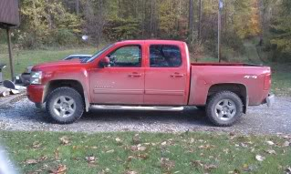 Before and after pics of leveling kit and tires   Chevrolet Forum     Name  IMAG0009 jpg Views  3015 Size  19 8 KB