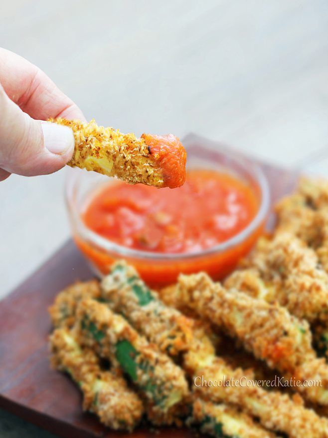 Crispy Healthy Baked Zucchini Fries - {Crazy Addictive}