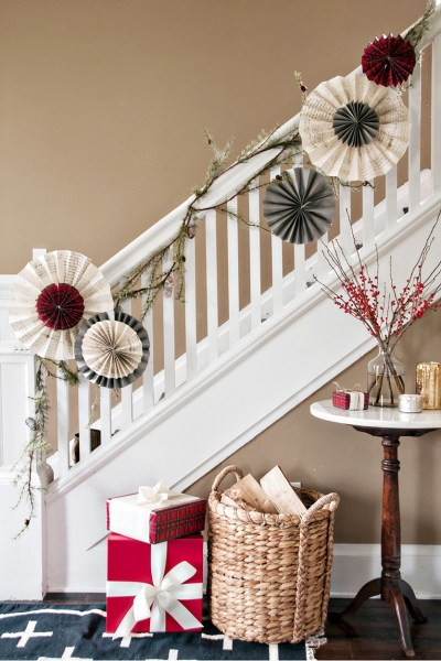 40 Gorgeous Christmas Banister Decorating Ideas - Christmas Celebration - All about Christmas
