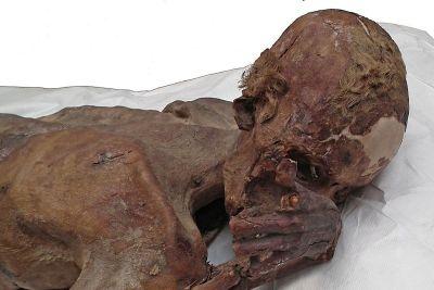 Tatuagens mais antigas do mundo encontradas em múmias de 5 mil anos