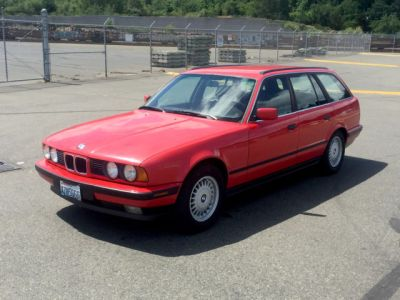 1993 BMW Ultimate Family Driving Machine E34 525i Touring Wagon 4-Door 2.5L