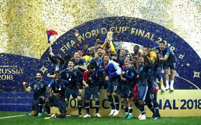 2018 FIFA WORLD CUP winner of Golden Glove and Golden Ball- Creators Cult