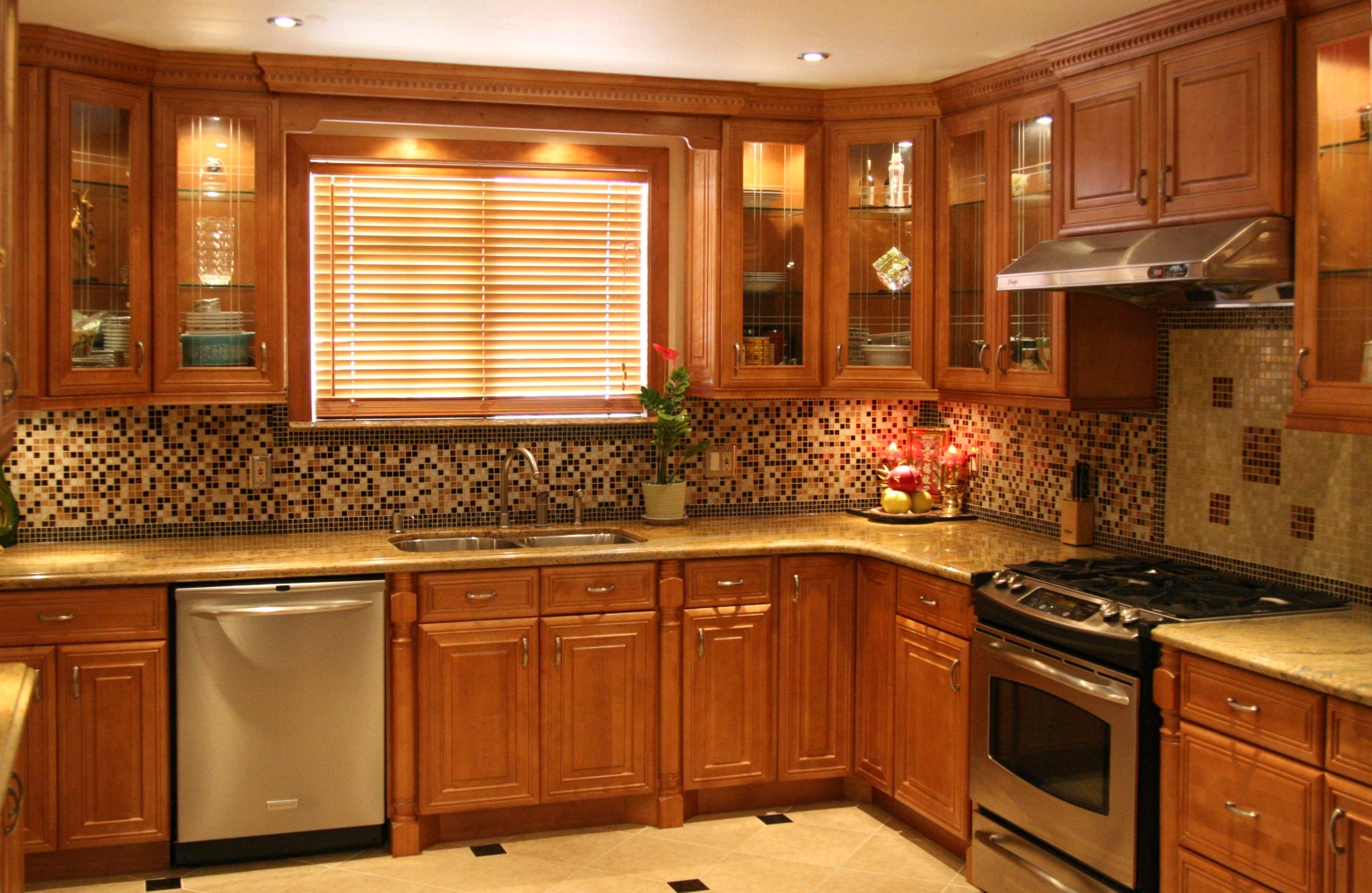 solid wood vs laminate kitchen cabinets solid wood kitchen cabinets Solid Wood vs Laminate Kitchen Cabinets