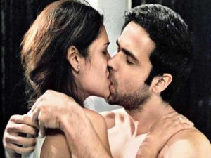 emraan-and-esha-lip-lock-still-raaz-3