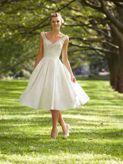 Short Wedding Dresses that are Classy & Sassy