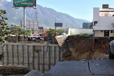 VIDEO: Muere una persona tras derrumbe de tres casa en Monterrey - Diario Tiempo Digital
