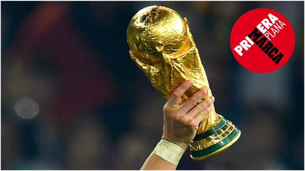 World Cup 2018  Only the captains can touch it   MARCA in English The World Cup trophy