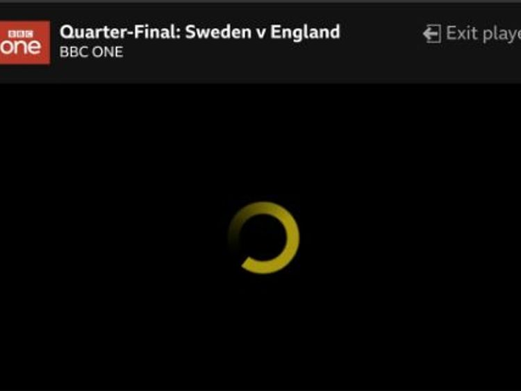 World Cup fans  fuming  as BBC iPlayer crashes minutes before end of     World Cup fans  fuming  as BBC iPlayer crashes minutes before end of Sweden  game