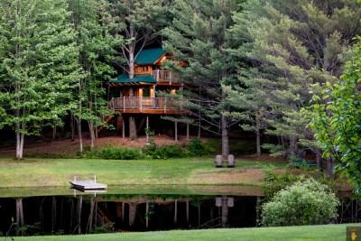 Waterbury VT Treehouse | EyeWasHere Vermont Hotel Photography