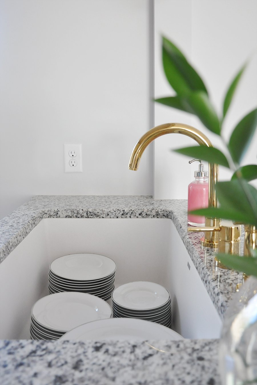 making the case for white undermount kitchen sinks undermount kitchen sink white Making the Case for White Undermount Kitchen Sinks