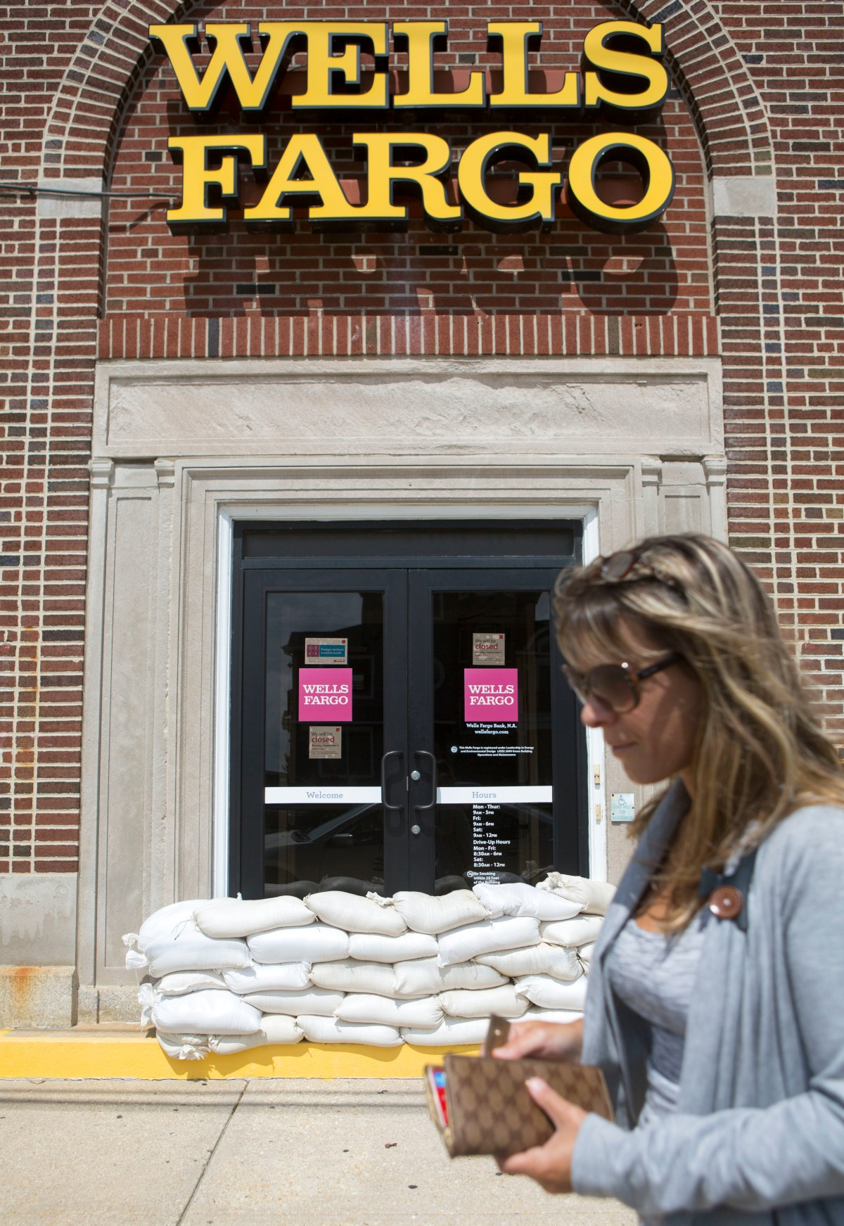 This Wells Fargo Bank Scam Is Insane and 5,300 People Were Just Fired For It   Inverse