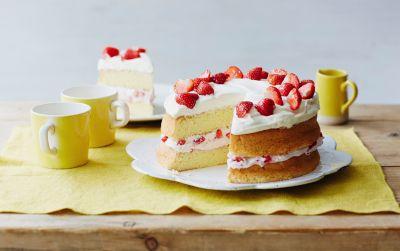 Strawberry Tres Leches Cake (Pastel) Recipe