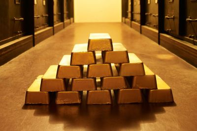Should You Invest in Gold? The Pros and Cons
