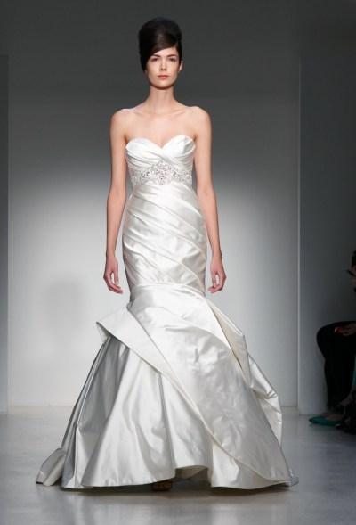 Latest Bridal Dresses Wallpapers Free Download | Funzweb
